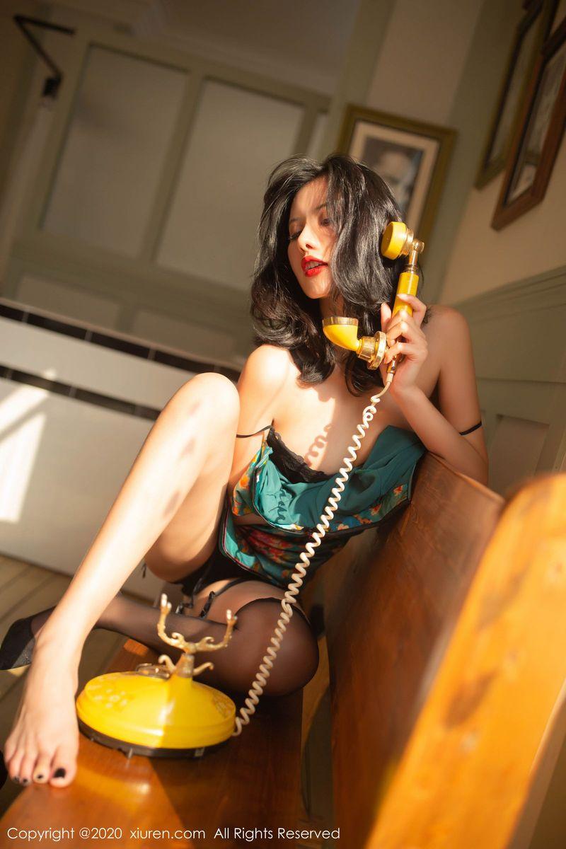 秀人网性感女神就是阿朱啊中华理发店黑丝美腿主题写真