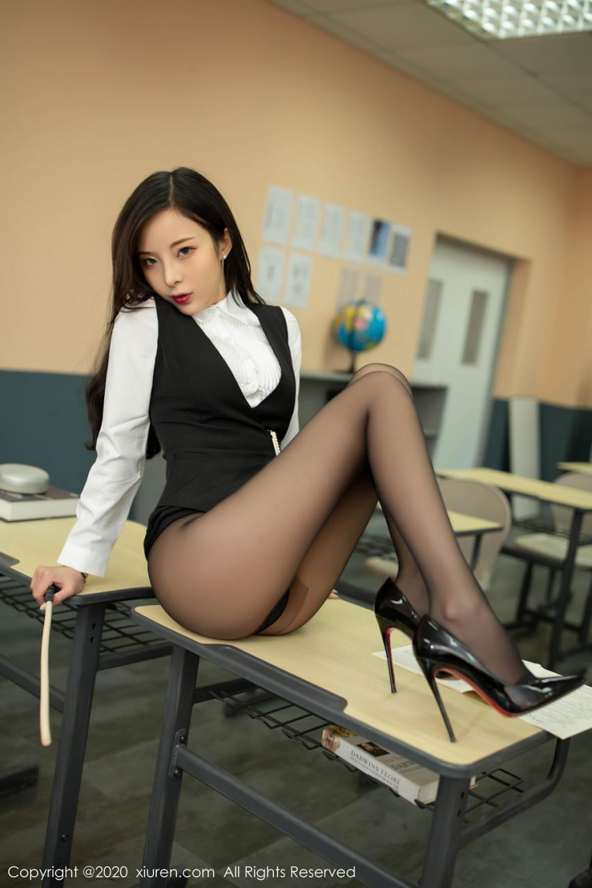 英语课老师的性感诱惑
