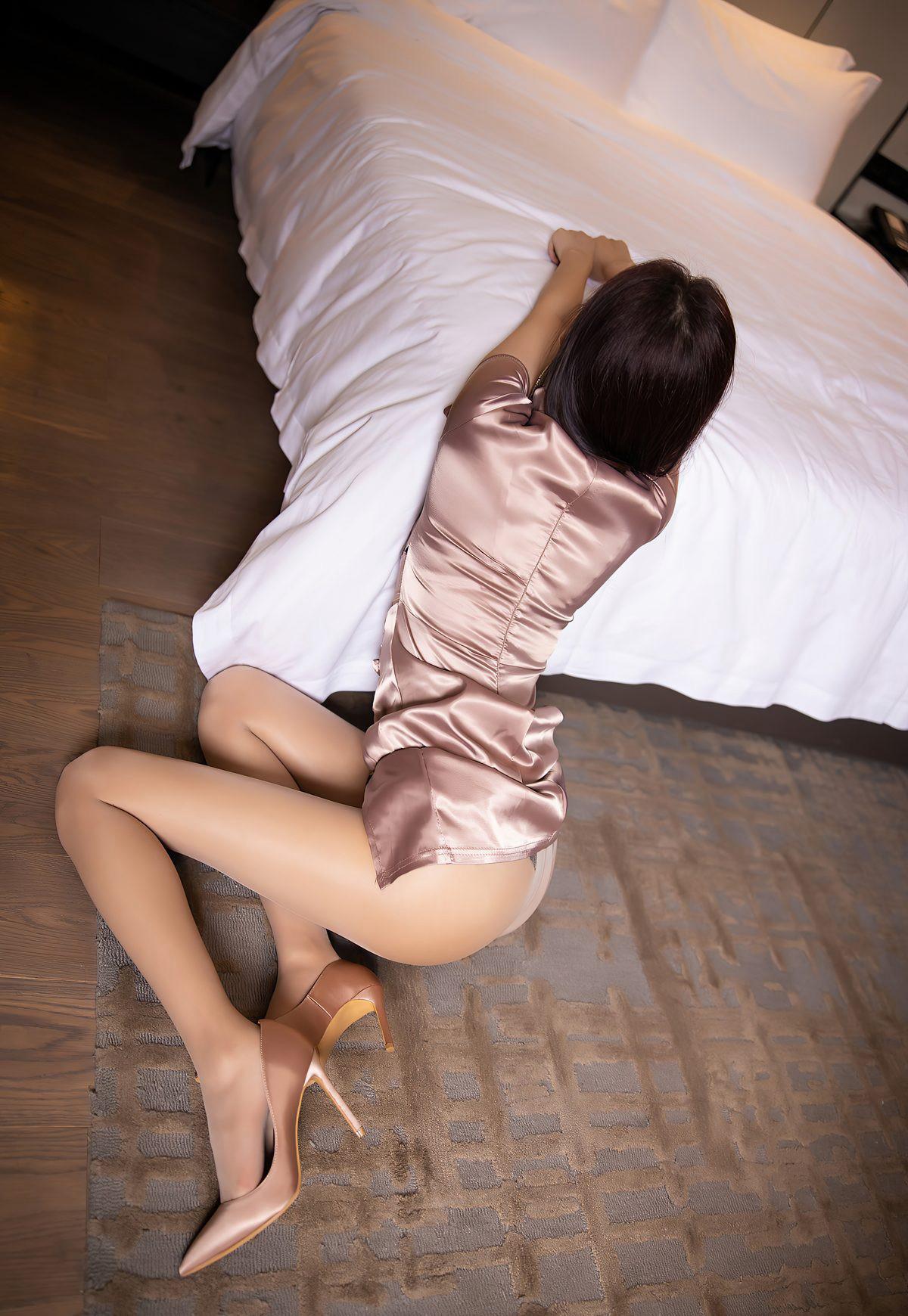 杨晨晨sugar2021性感旗袍诱惑肉丝袜美腿高清玉足高跟-91-『游乐宫』Youlegong.com 第2张