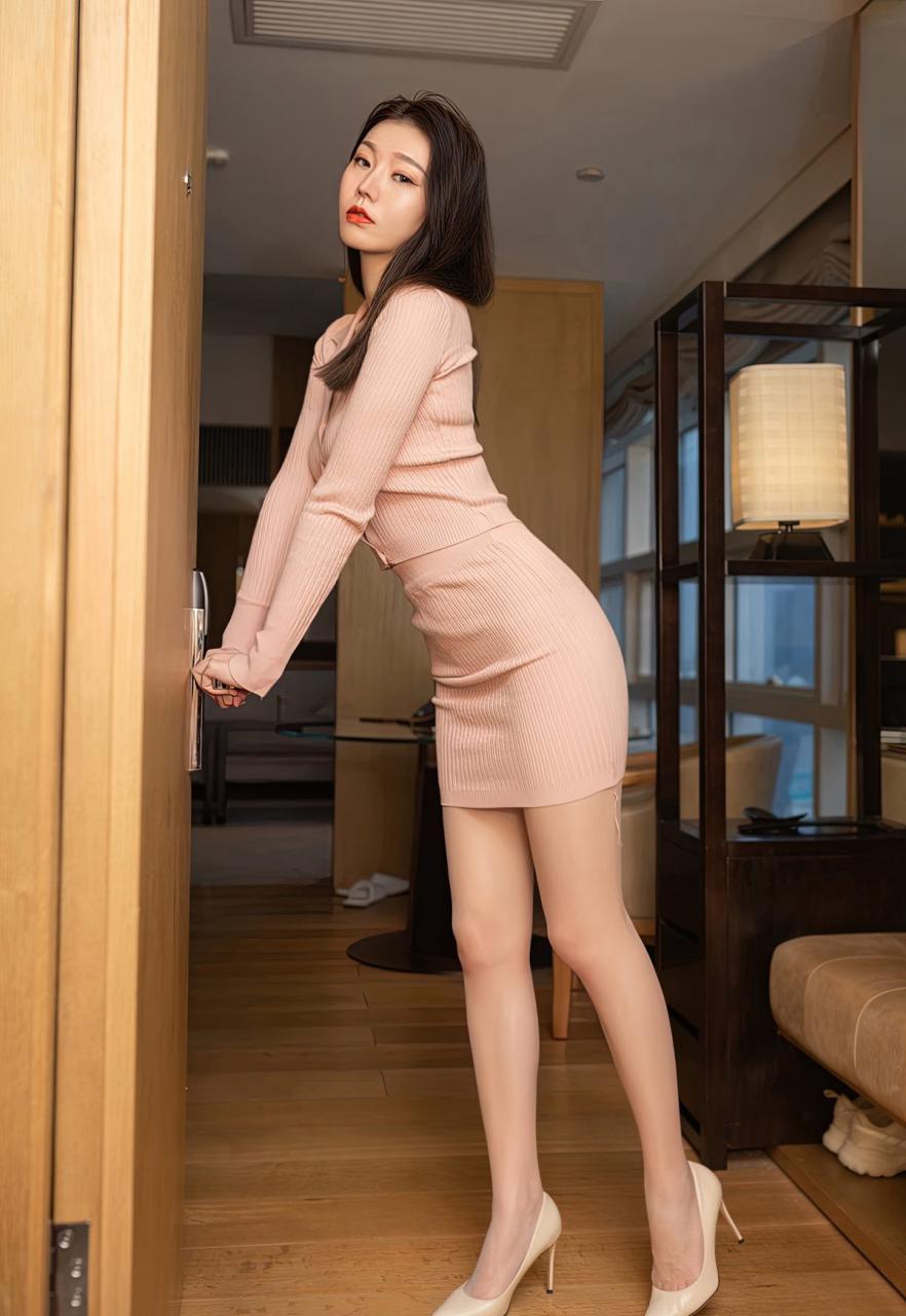 安然Maleah高颜值嫩模风骚裸胸美女少妇肉丝袜高跟写真-115-『游乐宫』Youlegong.com 第9张